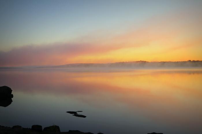 Elokuun aamu Virroilla.