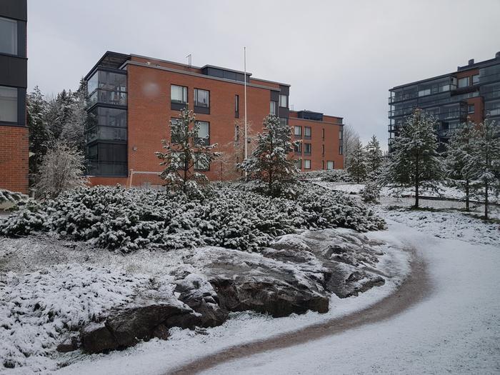 Pikainen takatalvi koetteli jälleen eteläistä Suomea perjantaiaamuna.