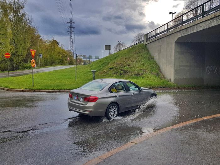 Tunneli täyttyi vedestä rankan sadekuuron jälkeen.