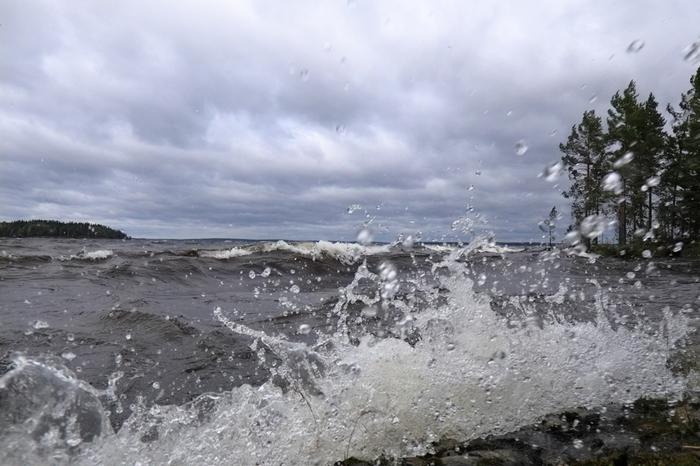 Aila-myrsky mylläsi Näsijärvellä Tampereella.