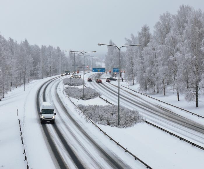 Talvista maisemaa ja keliä Ylöjärvellä.