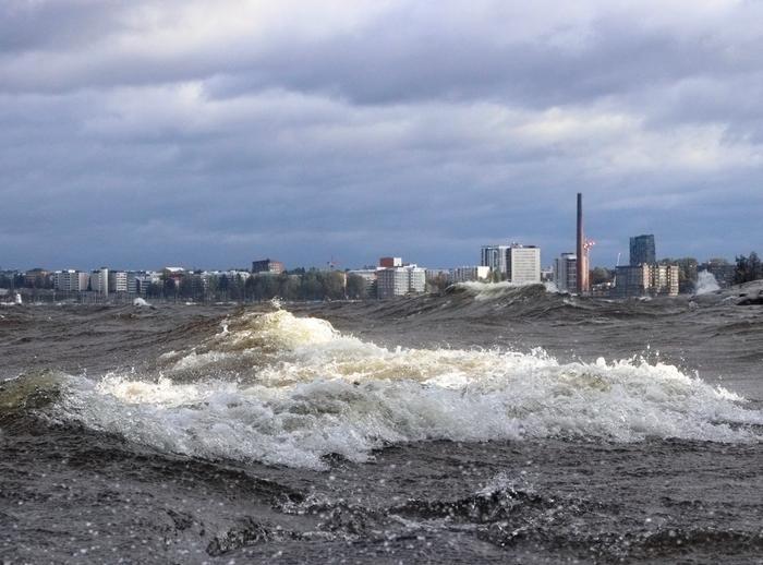 Aila-myrsky mylläsi Näsijärvellä.