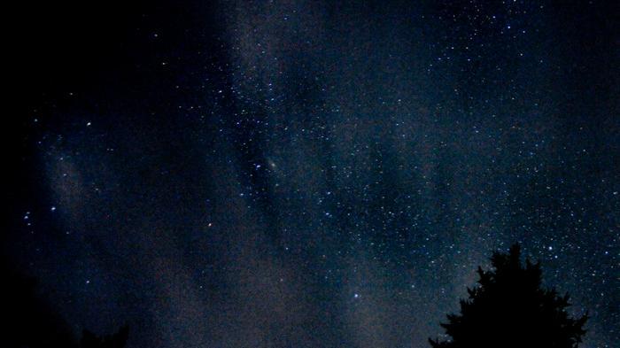 Tähtitaivas pilvien takana
