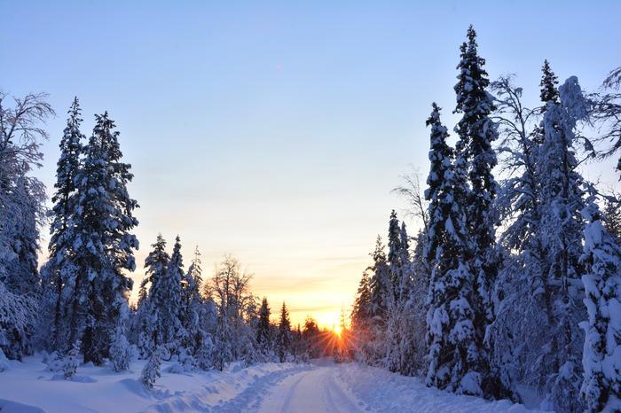Itä- ja Pohjois-Suomessa pakkanen voi kiristyä joulunpyhinä kuluneen talven kireimpiin lukemiin.