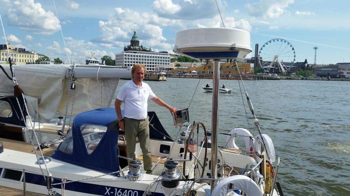 Hjallis Harkimo veneilee nykyään kotiseudullaan Sipoossa, mutta suuntaa kesäisin myös Turun saaristoon.