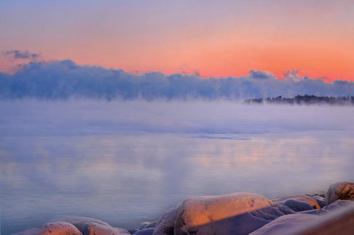 Merisavu eli haihtumissumu syntyy, kun pintaveden ja ilman välinen lämpötilaero on vähintään 15 astetta.