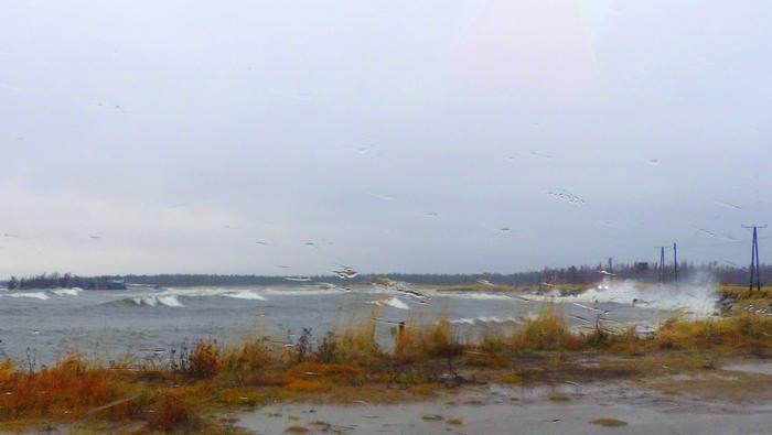 Liisa-myrsky nostatti aallokkoa Pohjanlahdella.
