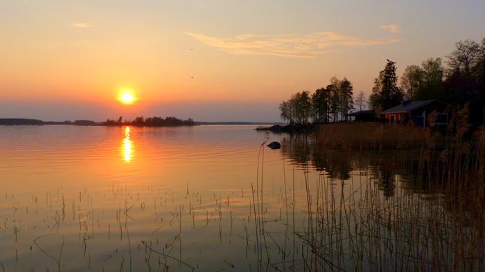 Toukokuinen hellepäivän auringonlasku Vaasassa.