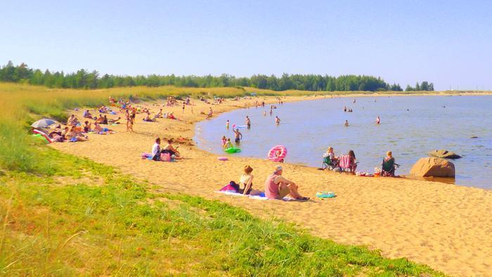 Helle houkutteli rannoille ihmisiä elokuun alussa.