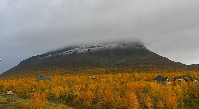 Saanatunturilla oli hieman lunta perjantaiaamuna 18. syyskuuta 2020.
