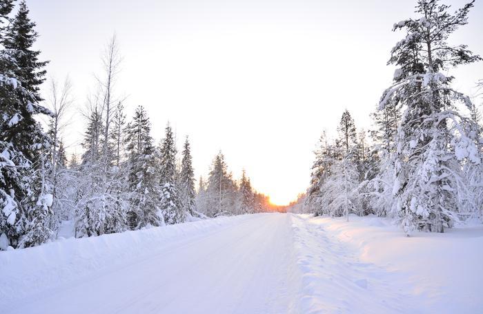 Lumisella säällä maisema on valoisampi