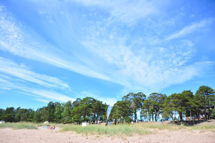 Yläpilviä Hangon taivaalla kesäpäivänä