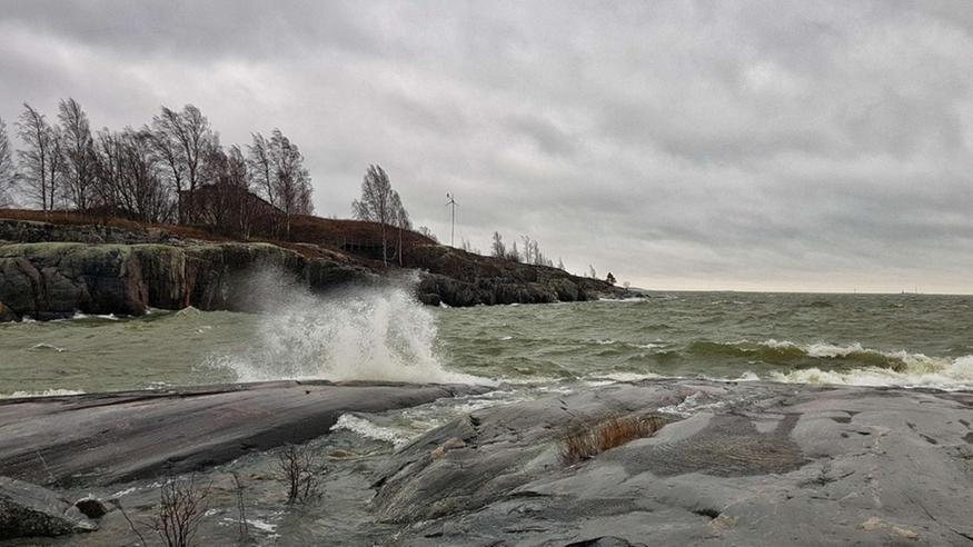 Tuulimyräkkä ja lumipyry riepottelevat perjantaina – alkuviikolla Suomea hipoo jopa +15 asteen lämpökieleke