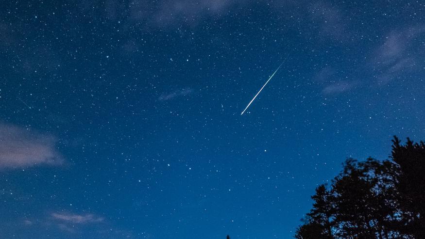 """Perseidien tähdenlentojen paras havaintoaika käsillä: """"Haastava tilanne"""" – katso, missä pilvisyys voi rakoilla lähiöinä"""