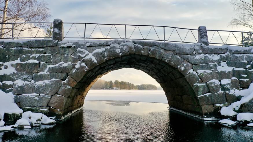 SYKE: Jäät yhä petollisia – jäällä liikkumista syytä välttää erityisesti Etelä-Suomessa