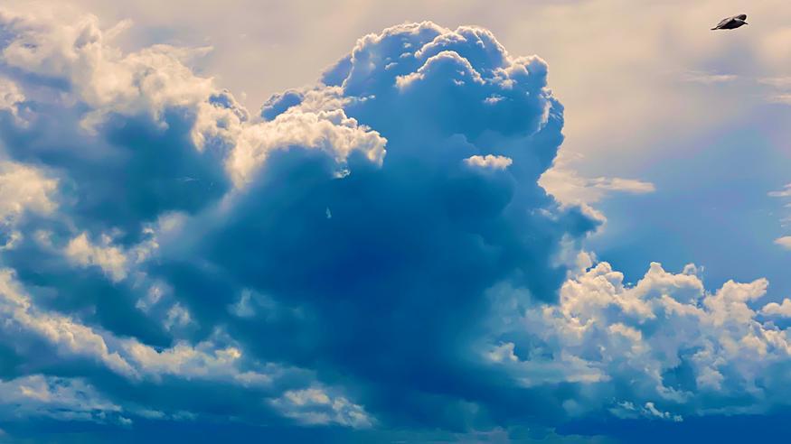 Taivas repeää sunnuntaina, maastopalojen riski koholla – alkuviikolla kostea yllätys