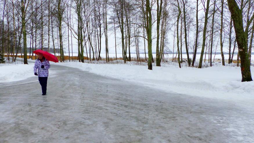 Lumipyryn ja vesisateiden saattelemana laaja lauhtuminen – jäätävän sateen riski koholla!