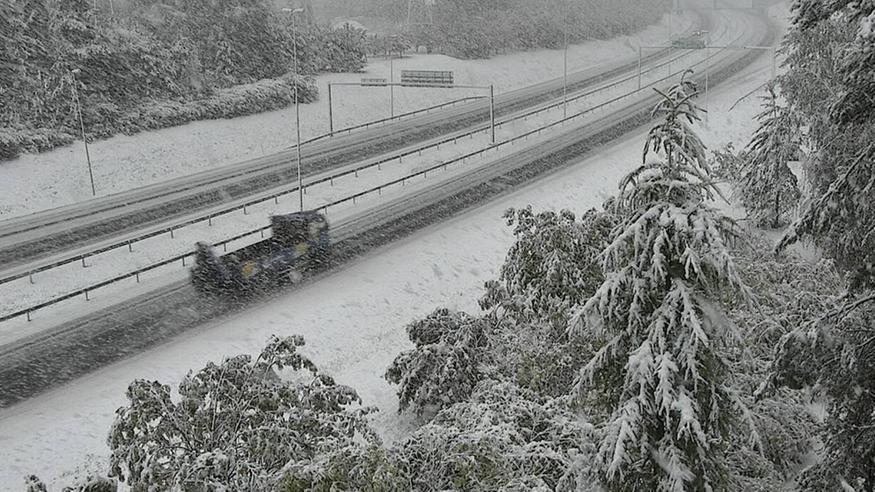 Syyskuinen lumipyry iski: Varovasti liikenteessä! Varaudu lumisateisiin muuallakin kuin pohjoisessa näillä alueilla – katso kuvat