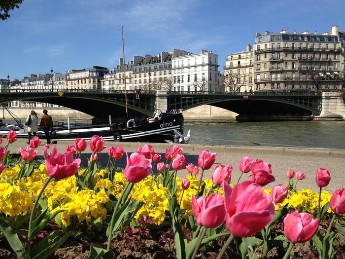 Kevättä Pariisissa.