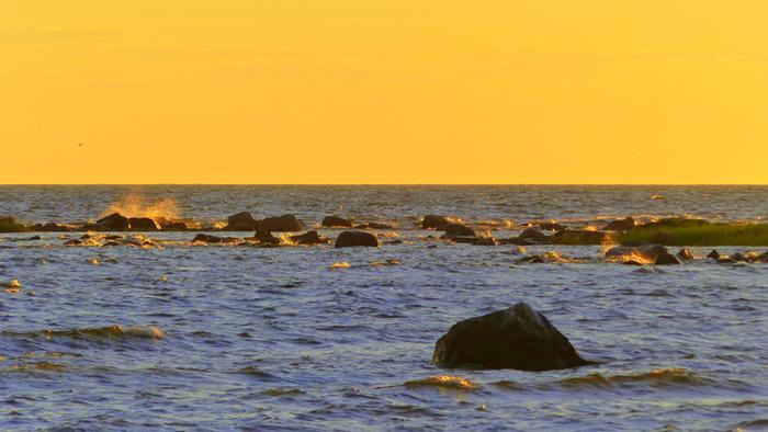 Helle nostaa merivedenkin lämpötilaa.