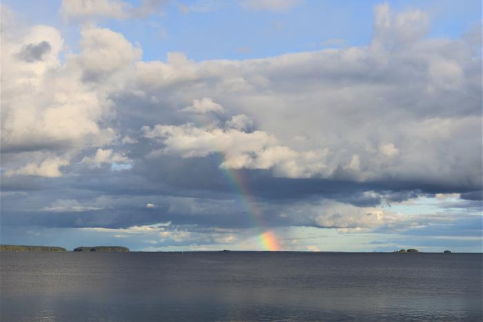 Sadekuuro Oulujärvellä.