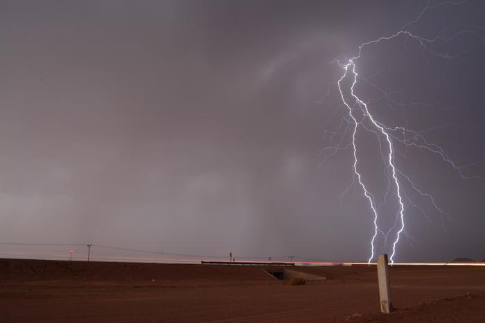 Supersolu-ukkonen toi Libyaan poikkeuksellisen suuria rakeita. Suurimmissa rakeissa halkaisija saattoi olla 20 senttiä.