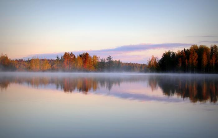 Sumulla on monta tapaa syntyä, mutta ilman viiletessä lämpimän järviveden yllä voi kehittyä esimerkiksi haihtumissumua tai kylmän ilman sekoittuessa kosteaan ilmaan järven yllä sekoitussumua.
