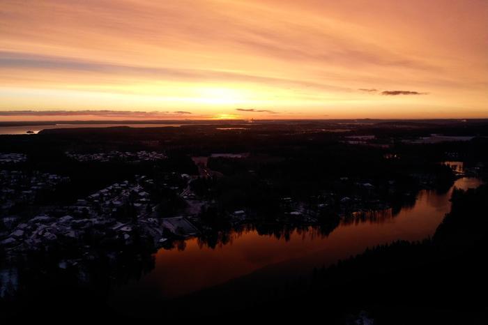 Auringonnousu pakkasaamuna Ylöjärvellä